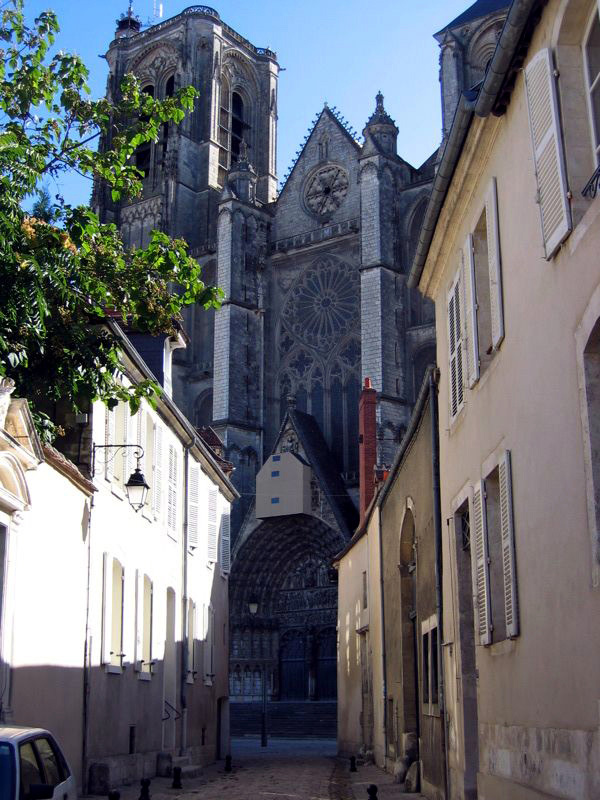 Bourges - the massive cathedral